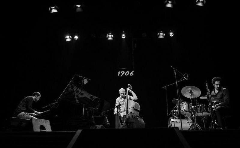 Avishai Cohen en concierto en el Teatro Principal de Santiago