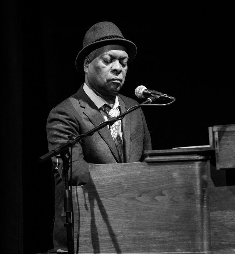 Vídeo Pequeños Grandes Momentos 1906 con Booker T. Jones
