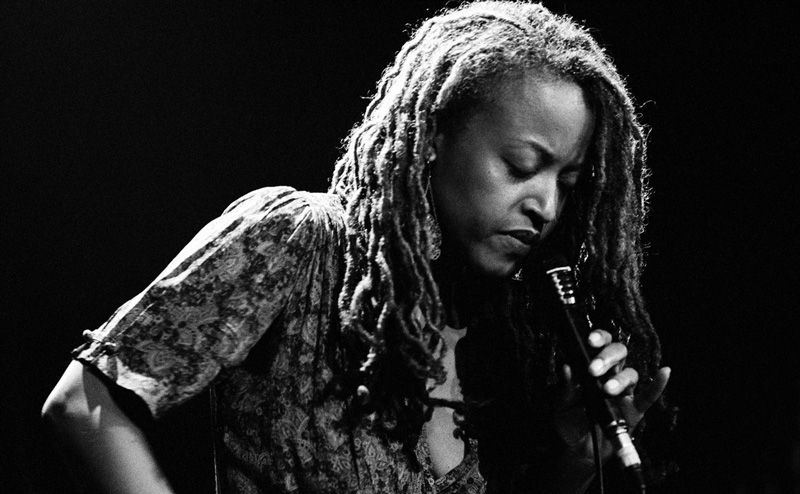 Cassandra Wilson con Billie Holiday