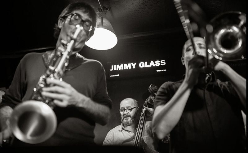 Llobarros ITN Sextet en Jimmy Glass