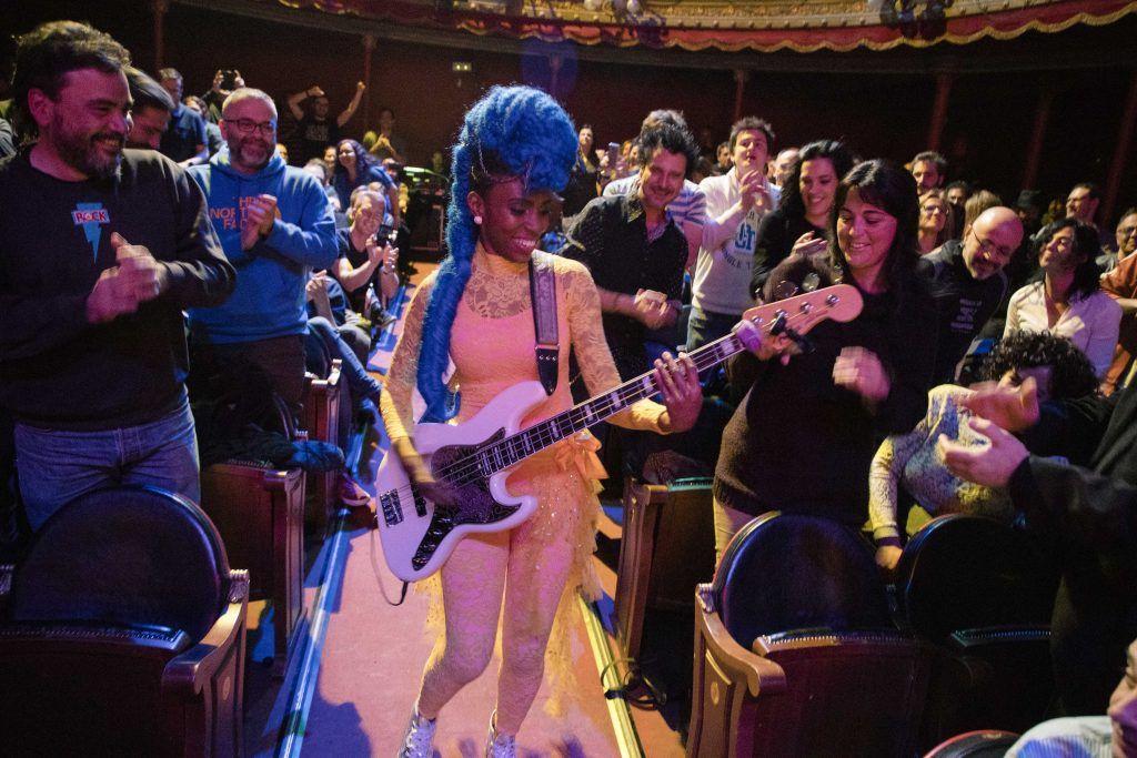 Nik West Teatro Lara
